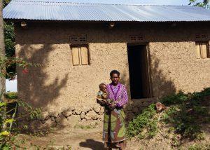 Neue Häuser für Witwen in Busasamana/Ruanda